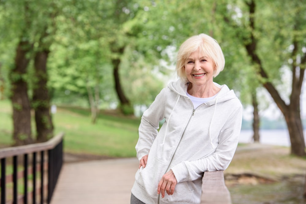 The Importance Of Getting Your Elderly Loved One Outdoors