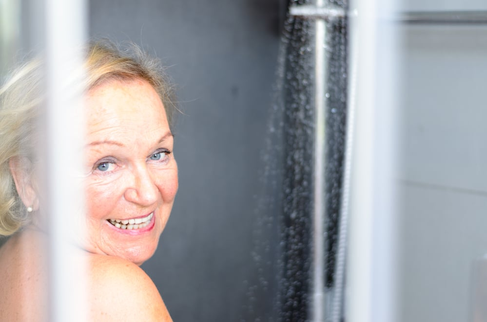 3 Tips For Encouraging Your Elderly Loved One To Bathe More Often