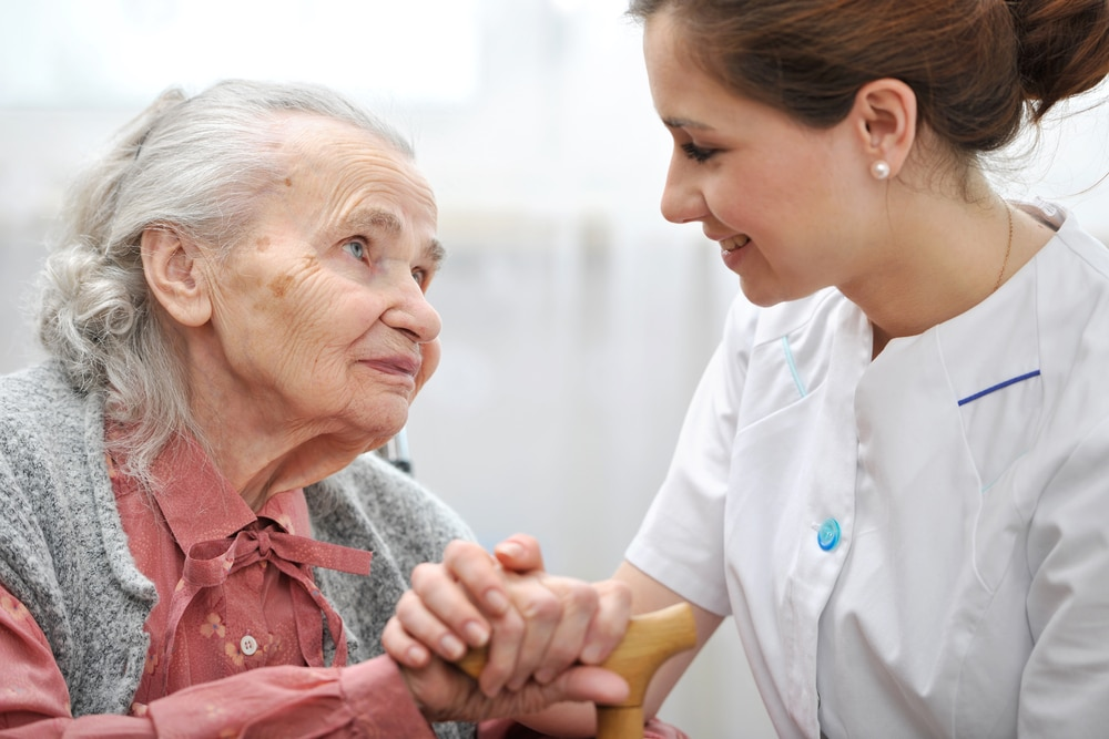5 Tips For Caregivers Of Elderly People During The COVID-19 Crisis