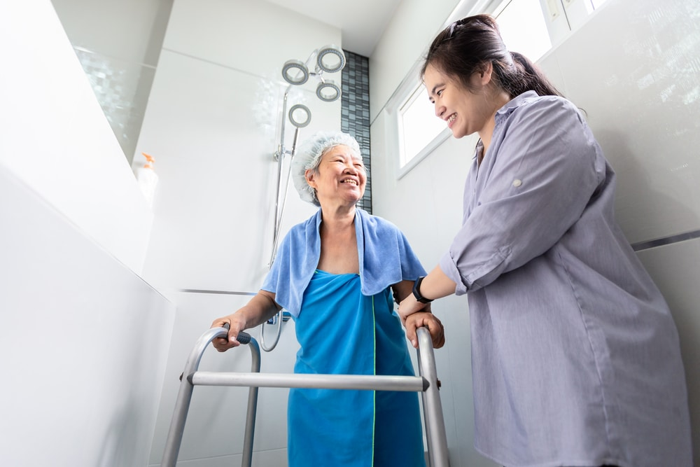 3 Bathroom Safety Measures That Help Seniors Take Carefree Showers
