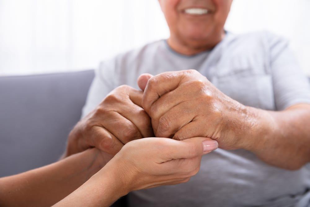 Safe Bathing Practices For Seniors Who Have Alzheimer's